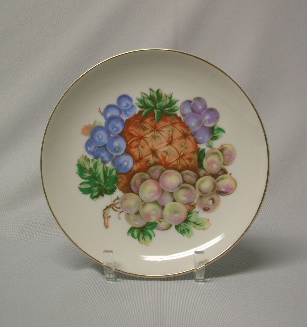 Pineapple and Grapes Porcelain Decorative Plate Japan