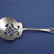 Lunt Pynchon Sterling Bon Bon Nut Spoon Scoop