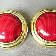 GAY BOYER Gold Tone w/Marbled Cranberry Stone Clips