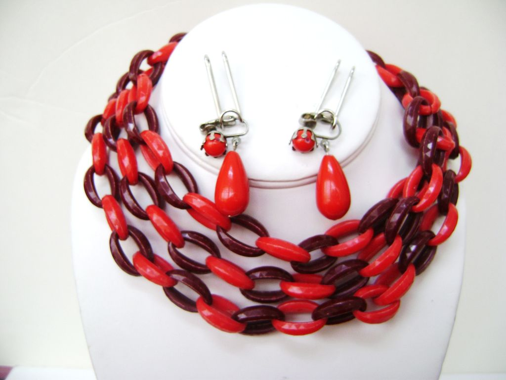 MODERNIST Chunky Plastic Oval Link Chain 2 Shades Red & Drop Clips