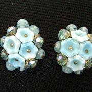 Beautiful Vintage Blue GLASS Flower & Bead Cluster Clips