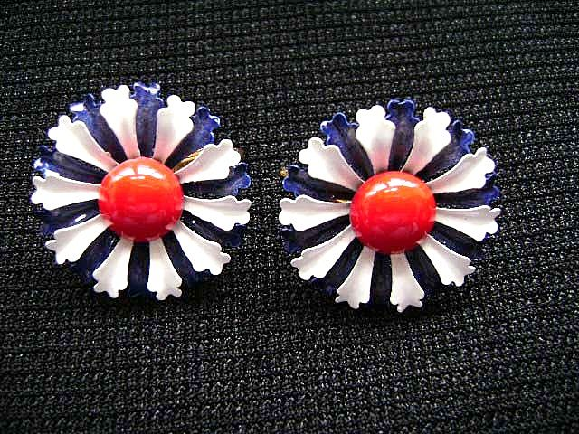 VINTAGE Red, White & Blue Enamel Flower Power Clip Earrings
