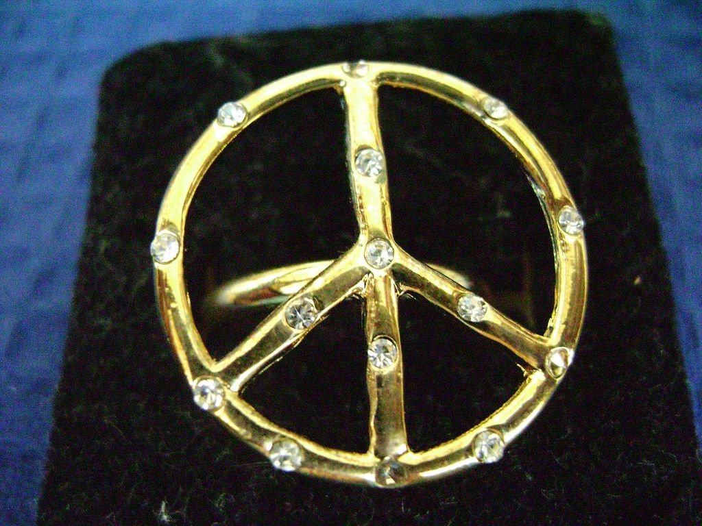 Too Cool!! RETRO Peace Sign Ring w/Rhinestones Size 7 1/2