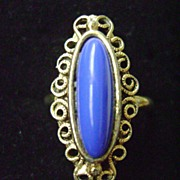 Vintage VOGUE Gold Tone & Blue Thermoset Adjustable Ring