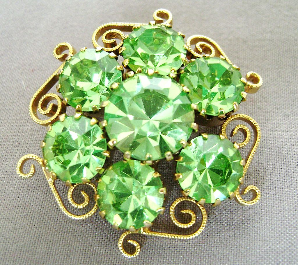 Sparkling Apple Green Rhinestone Vintage Pin