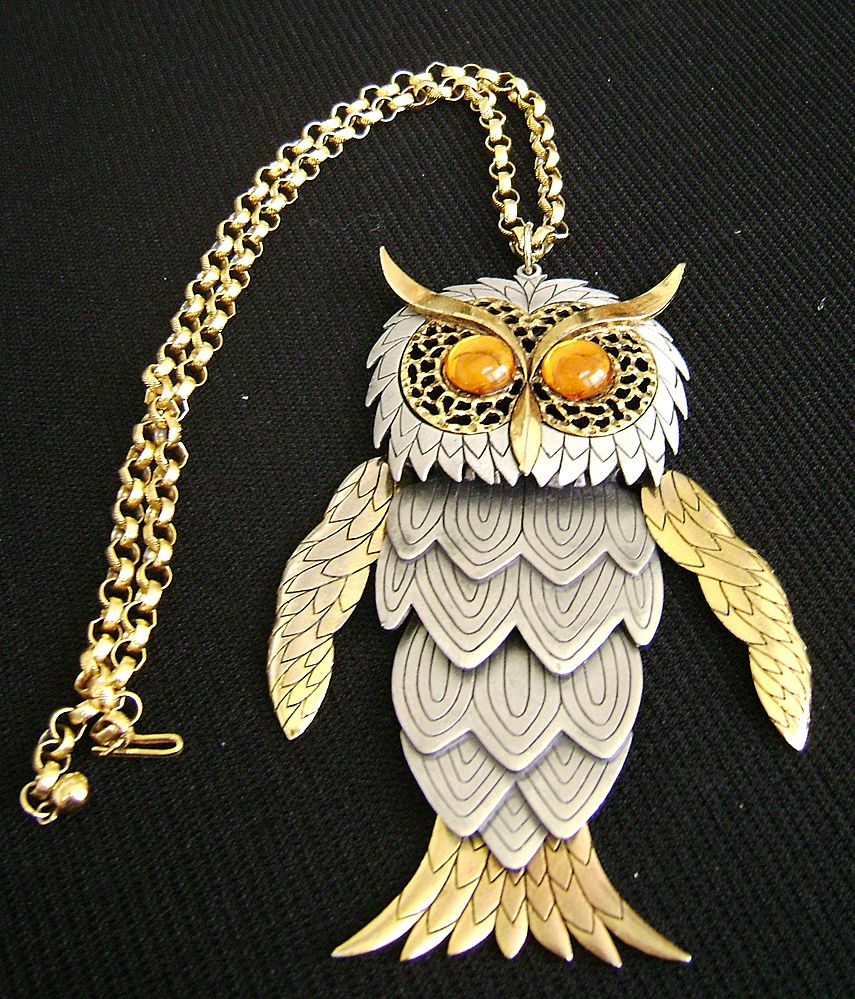 Huge Fabulous Articulated 2-Tone Articulated Owl Pendant w/Rhinestone Eyes