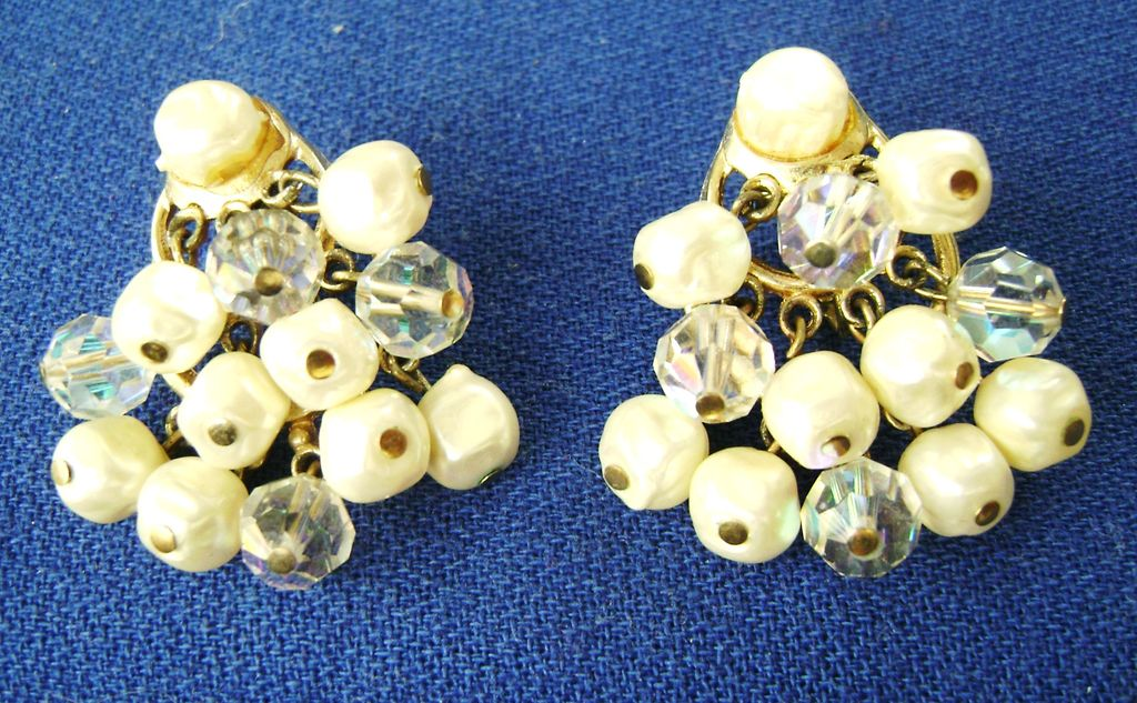 Vintage  50s Faux Pearl & Crystal Cluster Dangle Clips