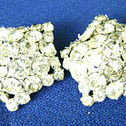 HUGE Vintage Star-shaped Rhinestone Clip Earrings - Sparkles!
