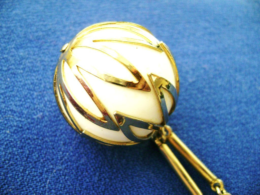 Retro Sarah Coventry White Caged Ball Gold Tone Pendant