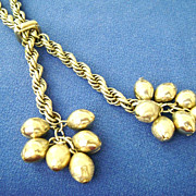 Vintage Wide Gold Tone Chain Lariat w/Dangling Beads