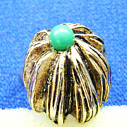 Vintage Gold Tone Adjustible Ring w/Green Bead