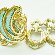 Hose Barrera for Avon Demi Cuff & Doorknocker Clips in Gold Tone