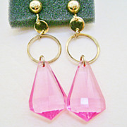 Pink Plastic & Gold Tone Mod Dangle Clip Earrings