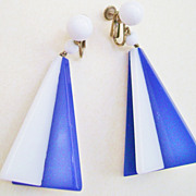 Large MODERNIST Geometric Blue & White Richelieu Dangle Clips