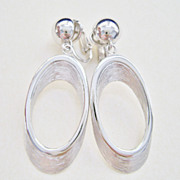 Crown TRIFARI Satin Finish Silver Tone Clip Hoop Earrings