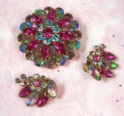 Art Glass & Raspberry Rhinestone Brooch & Earrings Set - Breathtaking