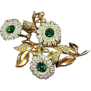 Stunning Vintage Green & Clear Rhinestone Floral Flower Trembler Brooch