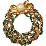 Vintage Christmas Wreath Brooch Pin - Faux Pearl Enamel