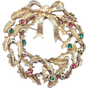 Vintage Rhinestone Gold Christmas Wreath Brooch