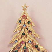ART Vintage Rhinestone Christmas Tree Brooch