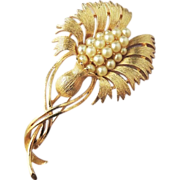 LISNER Vintage Pearl Flower Brooch Pin
