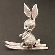 TORTOLANI Vintage Dimensional Silver Pearl Ski Bunny Rabbit Brooch Signed and FABULOUS