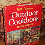 Betty Crocker 's Outdoor Cookbook, Barbecues, 1967 First Edition