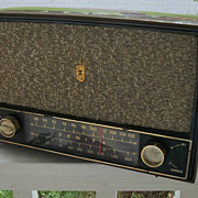 Vintage Zenith Table Top Radio, Bakelite
