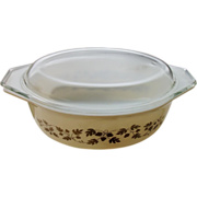 Pyrex 1 1/2 Lidded Casserole, Acorn Pattern