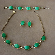 SALE Green Thermoplastic & gold tone Necklace, Bracelet &  Earrings Demi Parure Set