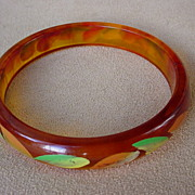 SALE Painted Apple Juice Bakelite Bangle Bracelet w/leaves