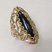 Vintage Tricolor 14k Gold ONYX Ring Leaf & Vine Motif