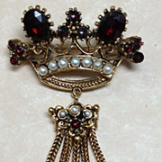 Vintage 1960's Signed ART Bohemian Garnet & Pearl Costume Brooch/ Pin, Gold Toned