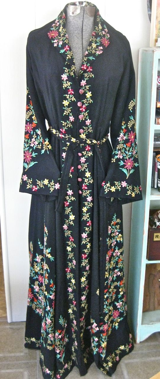 Vintage Handmade Embroidered Long KASHMIR Wool Hostess Robe/Coat