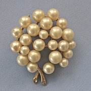 Vintage Pearl Goldplated MAJORICA Pin