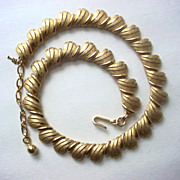 Crown Trifari Link Necklace in Textured Goldtone