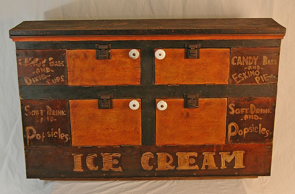 Vintage Painted Portable Wooden Ice Cream Cabinet