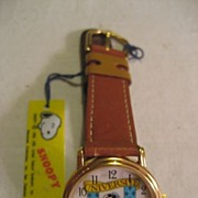 SALE Snoopy Unique Dial Vintage Watch
