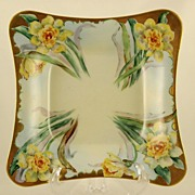 Hutschenreuther 8 Inch Dish With Daffodil Decoration