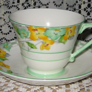 Royal Paragon - Art Deco - Syringa Teacup Set