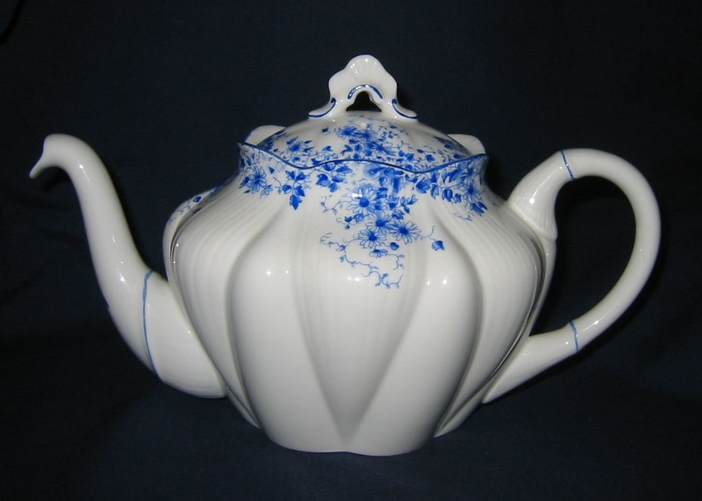 Shelley - Dainty Blue - Teapot