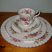 Royal Albert - Moss Rose - 4 Place Settings (20pcs)