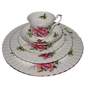 Royal Albert - Prairie Rose - 4 Place Settings (20pc)
