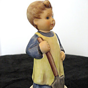 �Garden Treasures� Hummel Club Exclusive Figurine [Hum 727]