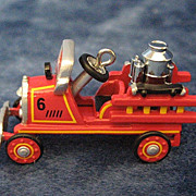 1924 TOLEDO FIRE ENGINE, miniature Hallmark Ornament -- 2001