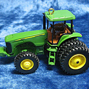 &quot;Model 8420 Tractor&quot;, a John Deere Hallmark Ornament - 2003