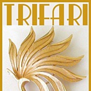 Trifari Brushed Goldtone Flowing Leaves Demi Parure