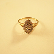 Classic Vintage Diamond Cluster Ring - 10kt yellow gold