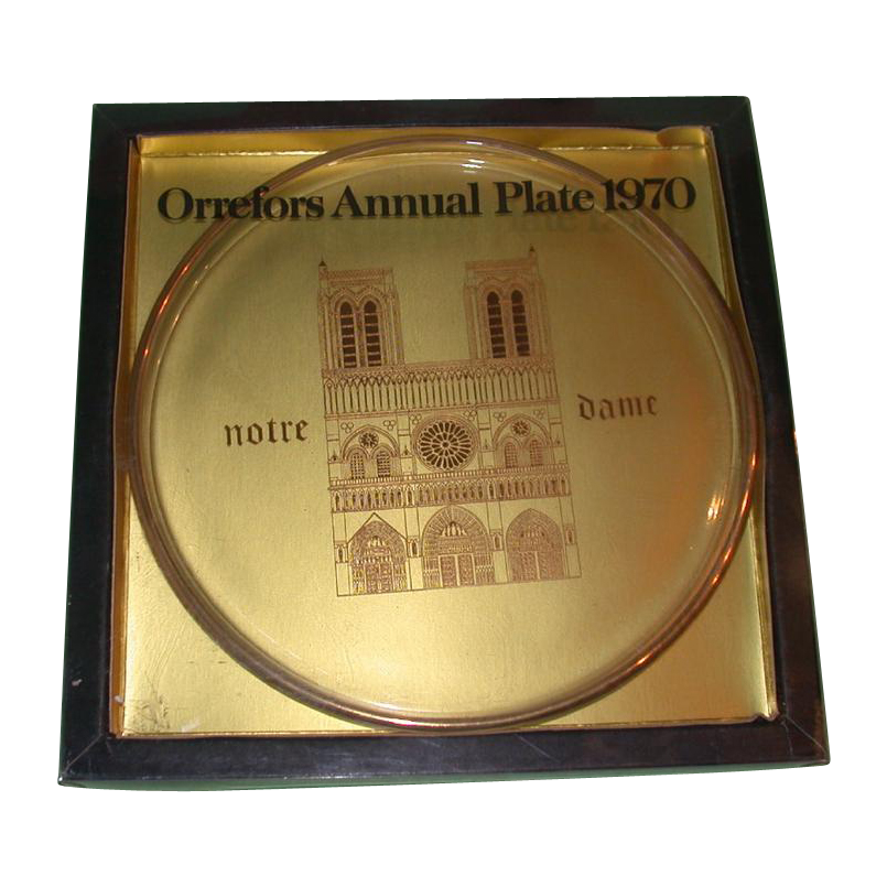 "Orrefors First Annual Limited Edition Plate, ""Notre Dame,"" 1970, Sweden, Magnificently Engraved in The Plate in Gold"