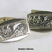 Vintage  Engraved Man�s Cuff Links in Sterling